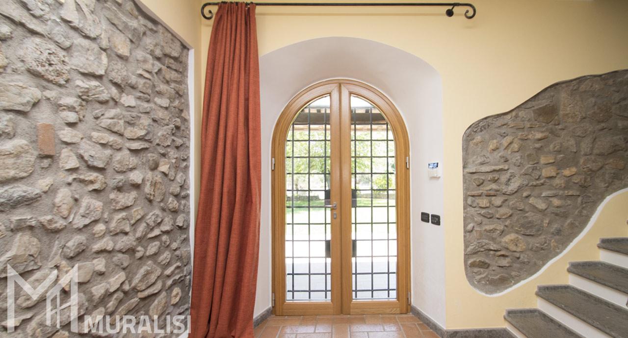 Porta finestra ad arco in legno alluminio - Villa storica rurale - Muralisi