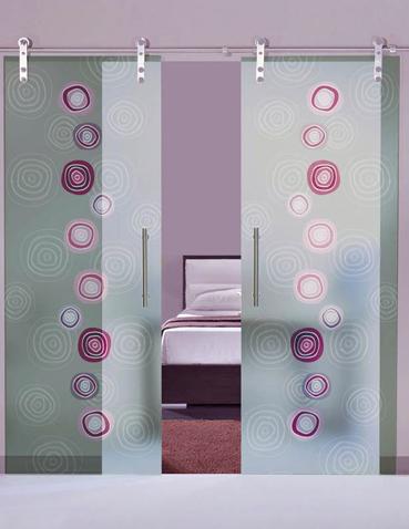 Porta scorrevole doppia anta in vetro Laborvetro – Tripudio di forme FE