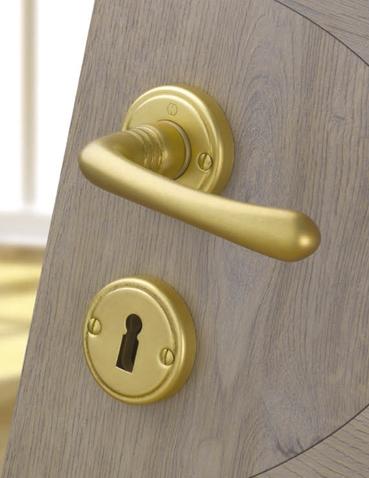 Maniglie per porte interne maniglie hoppe muralisi for Maniglie porte oro