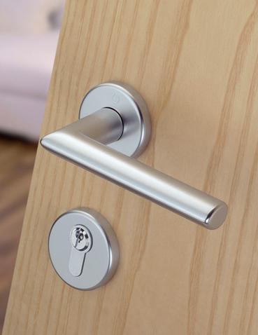 Realizzazione maniglie con serratura Hoppe - Amsterdam