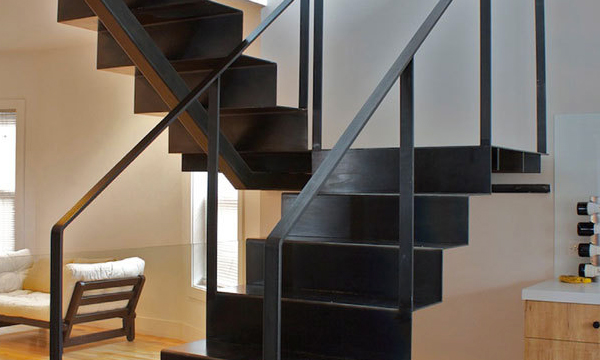 Scale arredare con stile muralisi ferro battuto viterbo for Arredare pianerottolo scale